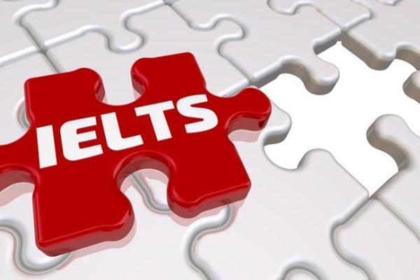 انواع آزمون IELTS آزمون IELTS دارای دو نوع آکادمیک (Academic) و عمومی (General Training) است. اشخاصی که قصد ادامه تحصیل در دانشگاه های انگلیسی زبان را دارند بایستی در نوع آکادمیک این آزمون شرکت نمایند و آزمون عمومی برای کسانی مناسب است که به دنبال گذراندن دوره های کوتاه مدت فنی و حرفه ای، اخذ دیپلم و یا اقامت هستند.